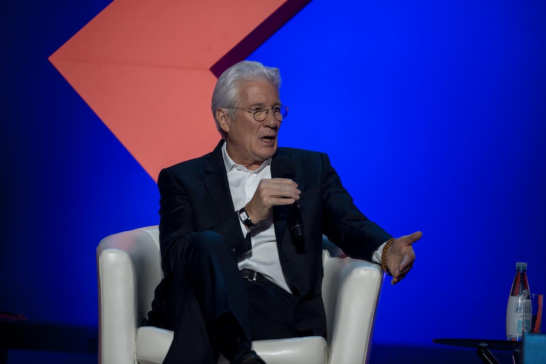 Ричард Гир выступил на Synergy Global Forum
