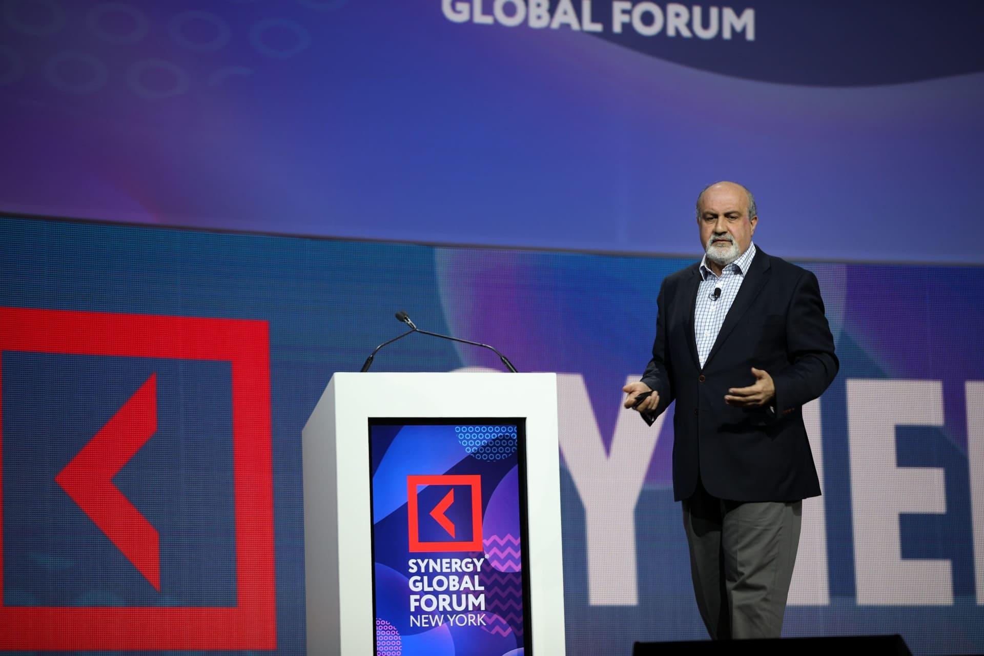 В Нью-Йорке состоялся Synergy Global Forum. Спикером стал Нассим Талеб