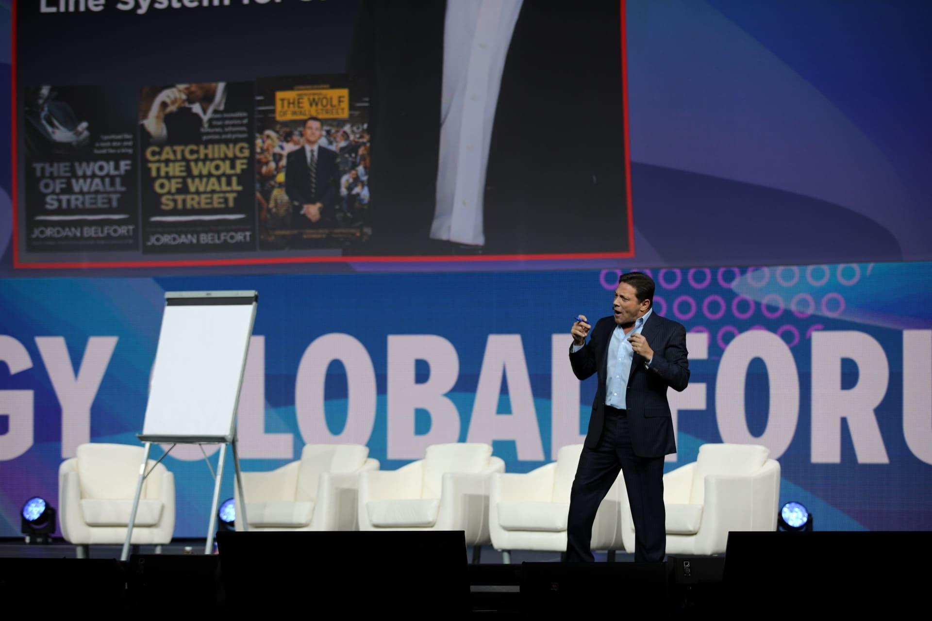 В Нью-Йорке состоялся Synergy Global Forum. Спикером стал Джордан Белфорт