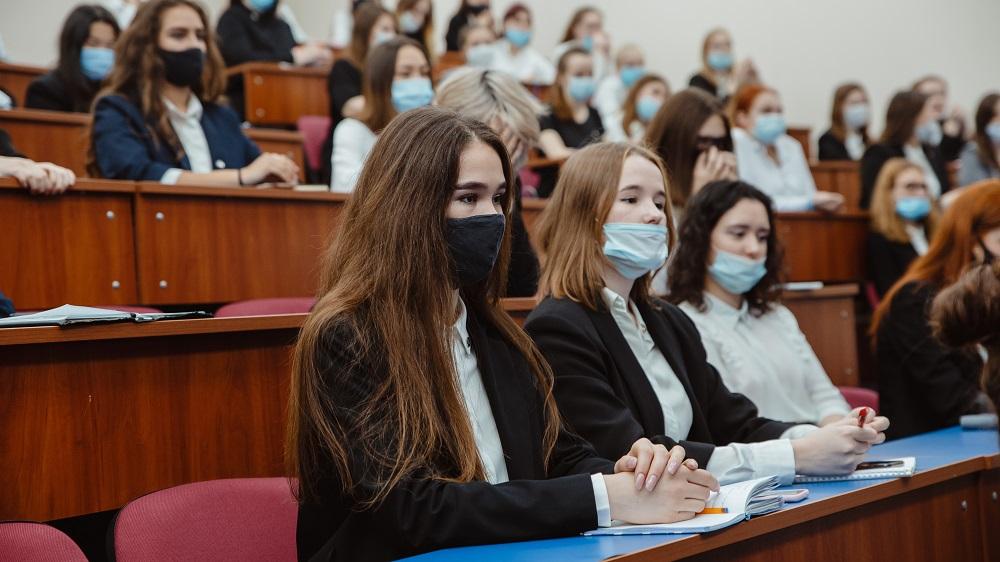 Студенты «Синергии» встретились с главой ВЦИОМ Валерием Фёдоровым