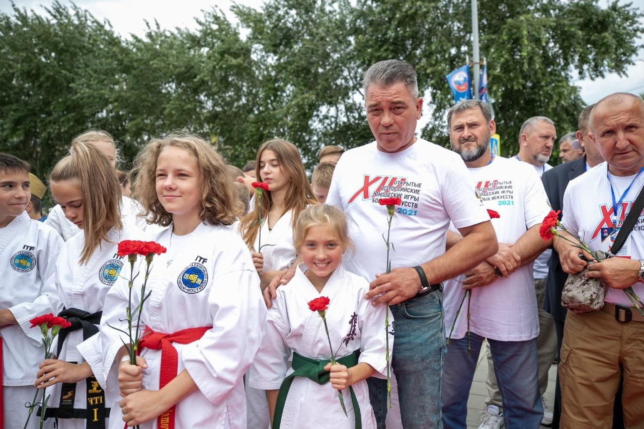Спортсмены Всероссийских игр боевых искусств приняли участие в памятной акции