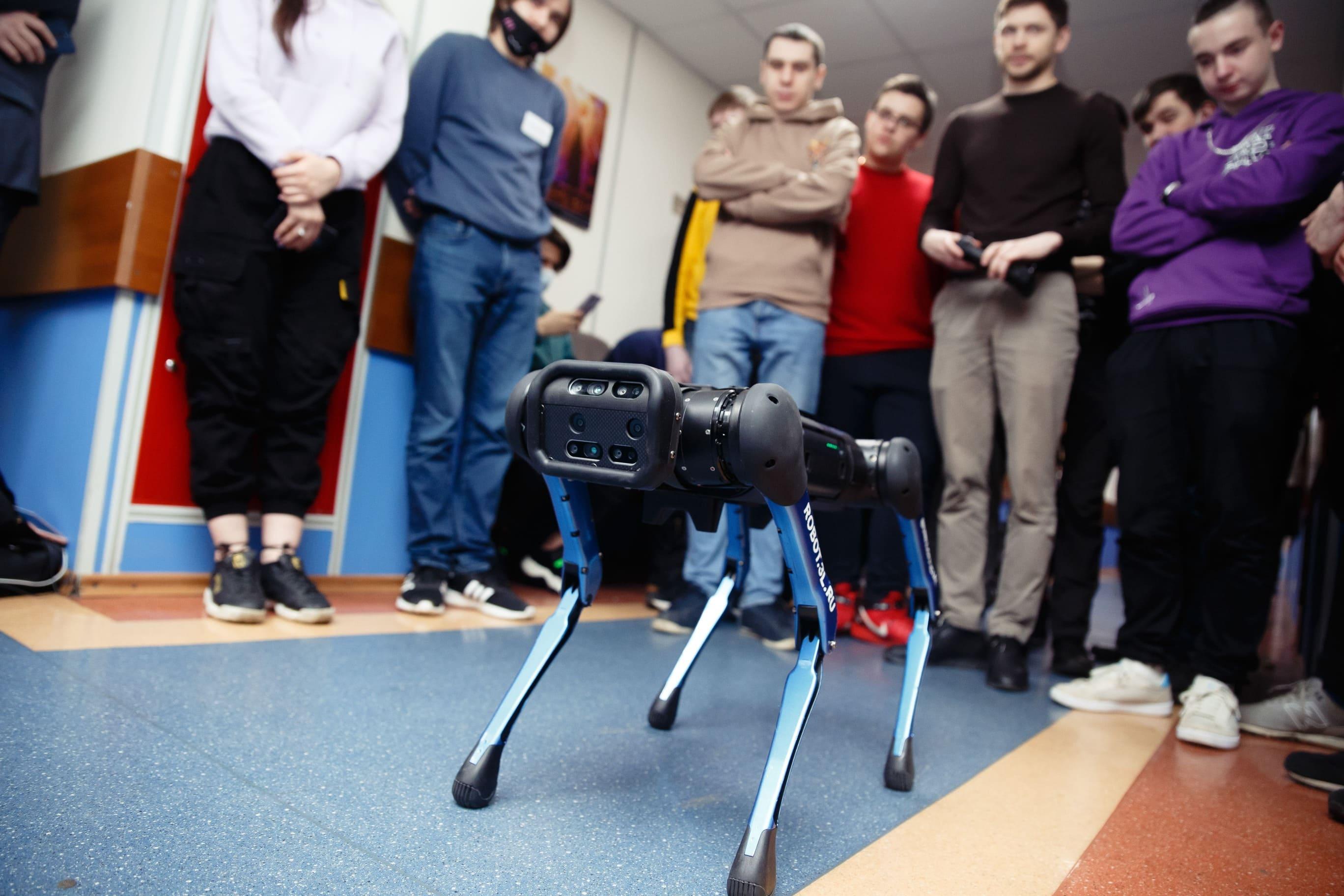 В Университете «Синергия» открылся факультет робототехники и мехатроники