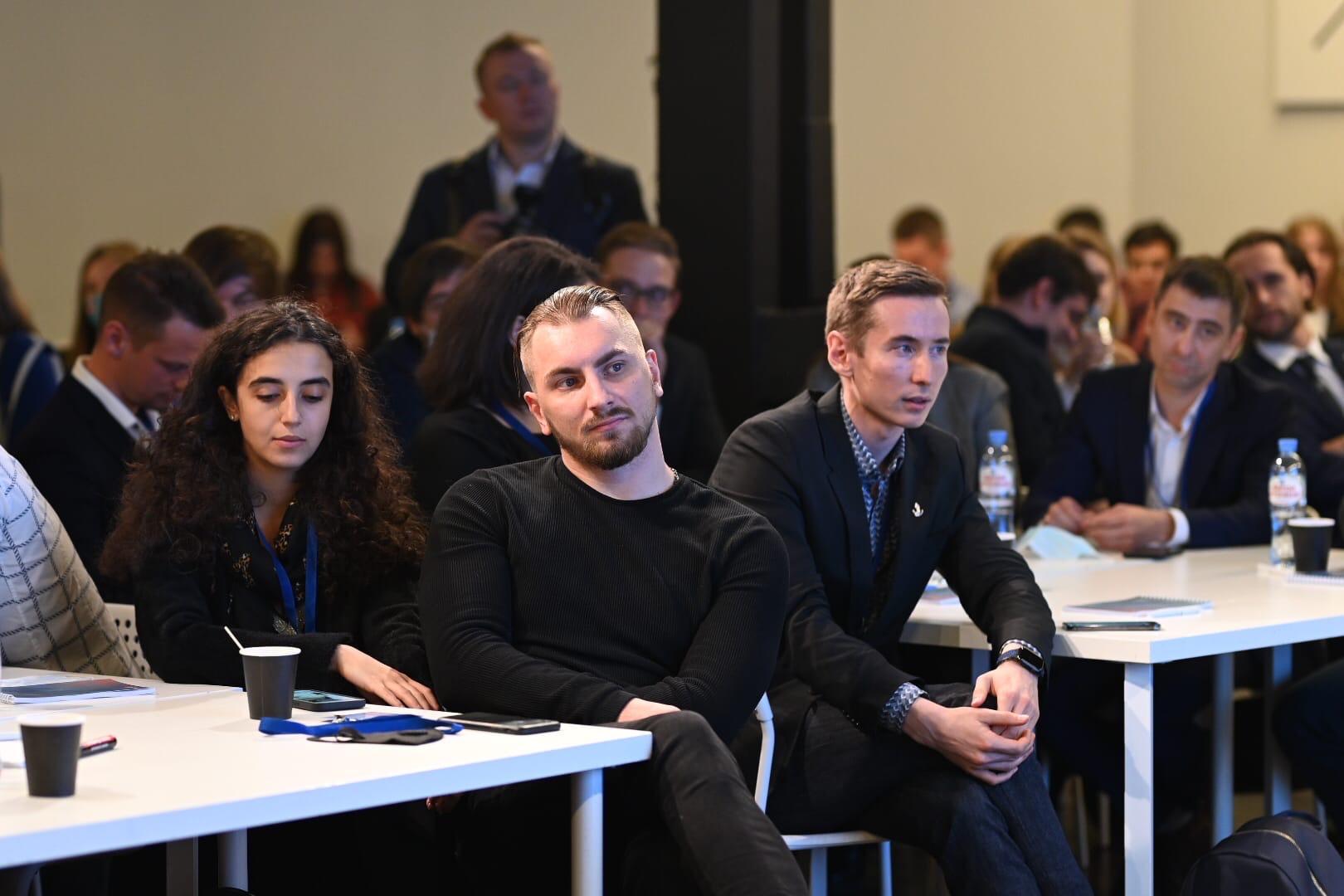 В заседании Клуба молодых предпринимателей приняли участие студенты «Синергии»