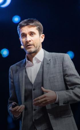 Основатель сети гипермаркетов Hoff Михаил Кучмент – спикер Synergy Executive Forum