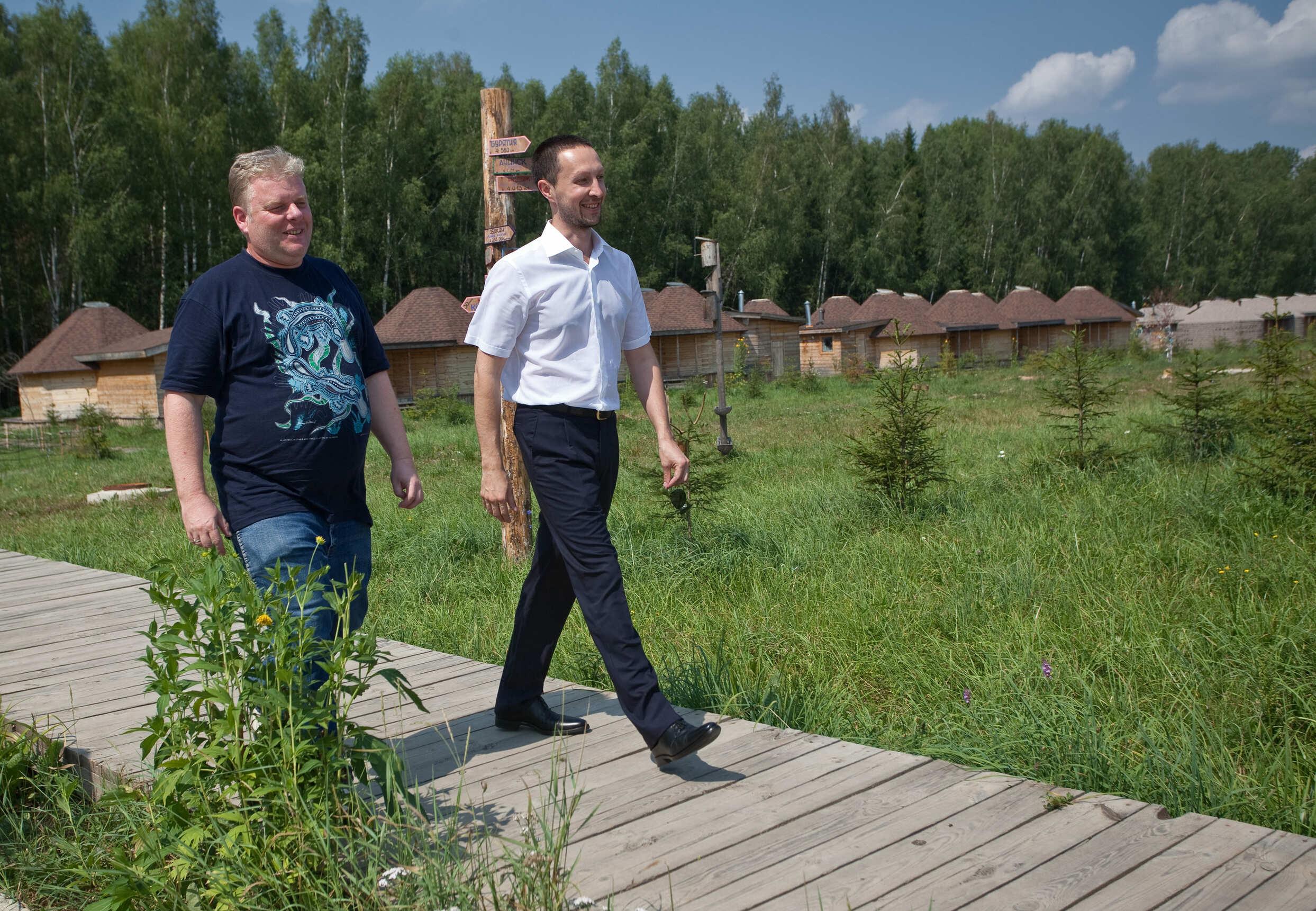 С Александром Кравцовым на открытии парка «Этномир»
