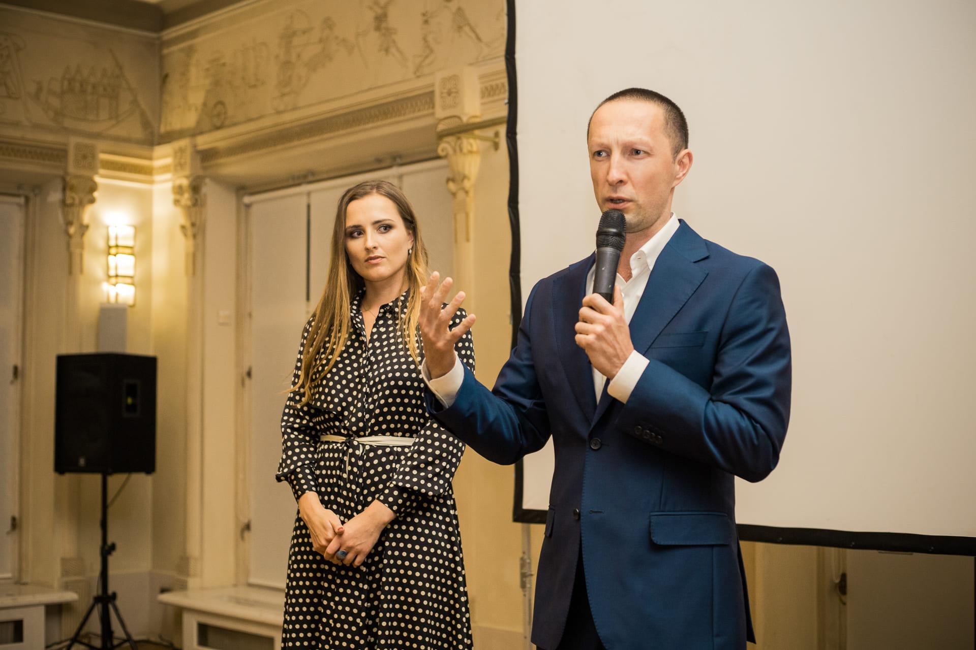 Вадим Лобов и Елизавета Фролова на открытии Synergy Art Academy